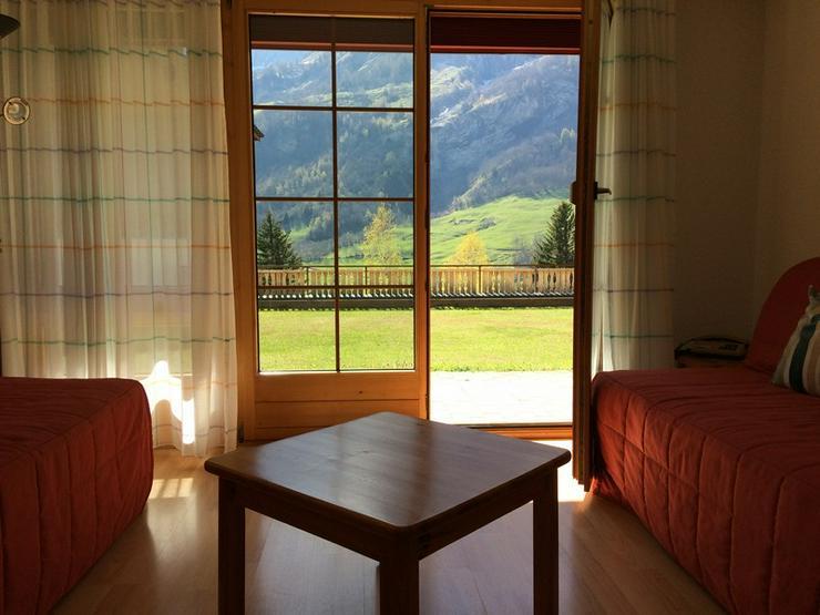 LES NATURELLES, 3.5-Zimmerwohnung von hoher Qualität mit schönem Terrassenplatz im Grünen