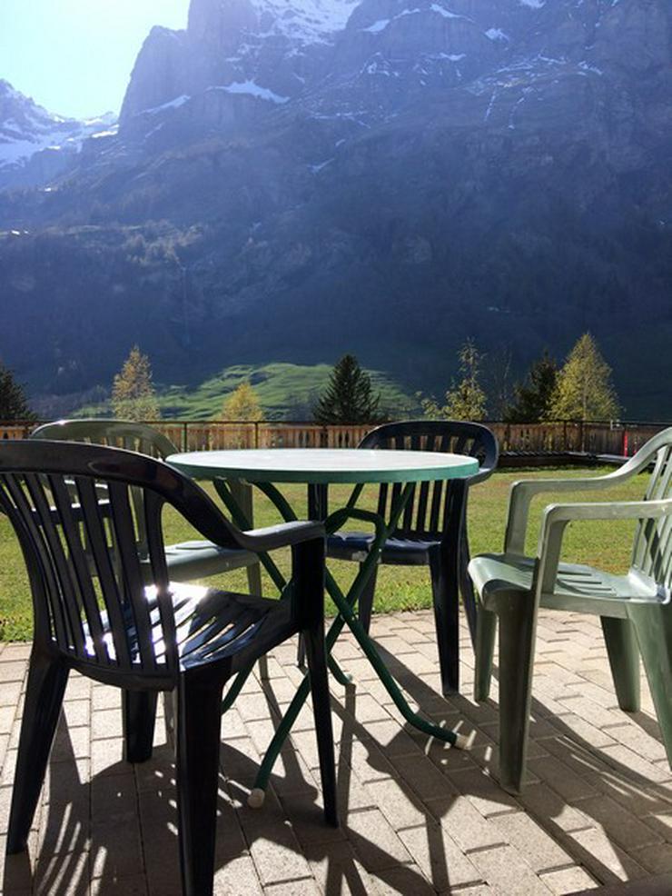 Bild 6: LES NATURELLES, 3.5-Zimmerwohnung von hoher Qualität mit schönem Terrassenplatz im Grünen