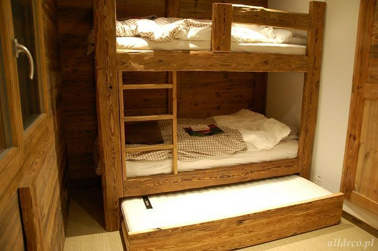 Bild 3: Komfortable Etagenbettenn aus Altholz der Firma Alldeco