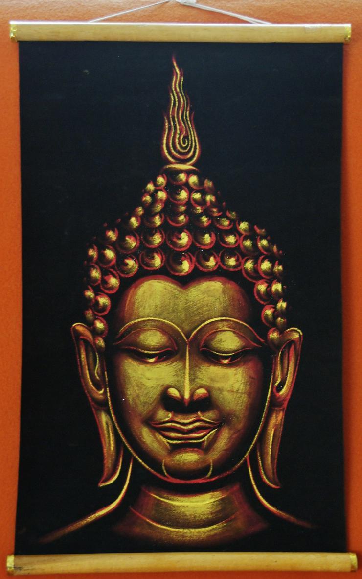 Buddha goldfarbenen bemalt auf Velour