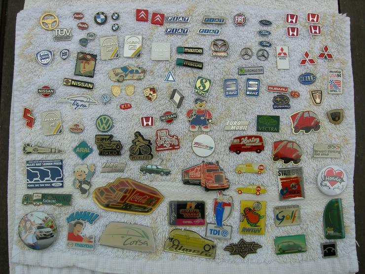Pins und Anstecknadeln zu tauschen oder günstig zu verkaufen