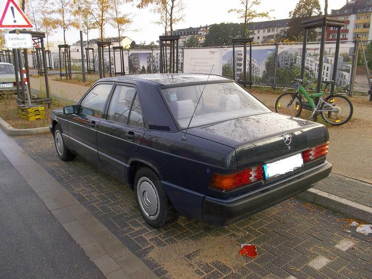 Bild 4: Mercedes - Benz 190 E   W201