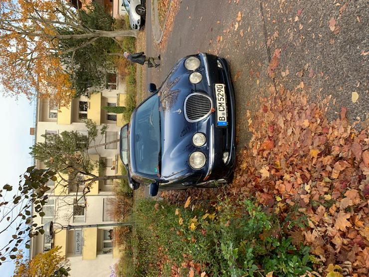 Bild 4: Jaguar S-Type mit Vollausstattung