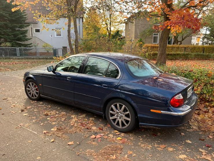 Bild 2: Jaguar S-Type mit Vollausstattung