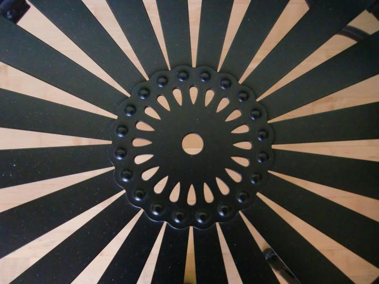 Bild 5: Gartenbank schwarz Stahl 2-Sitzer Love Seat für drinnen & draußen - Carré -