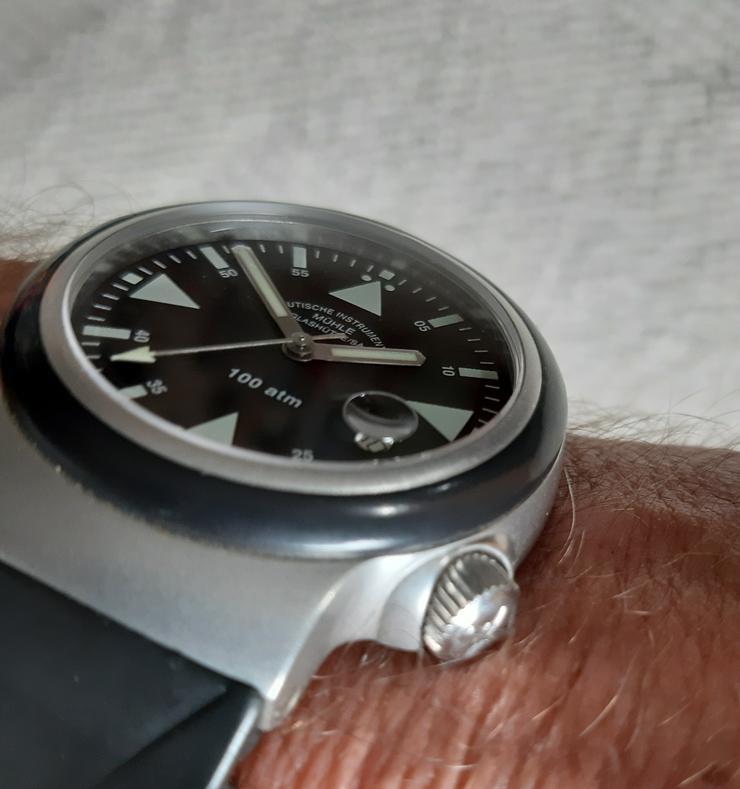 Bild 3: Mühle Glashütte M1-41-03-KB Uhren S.A.R.-Rescue Timer