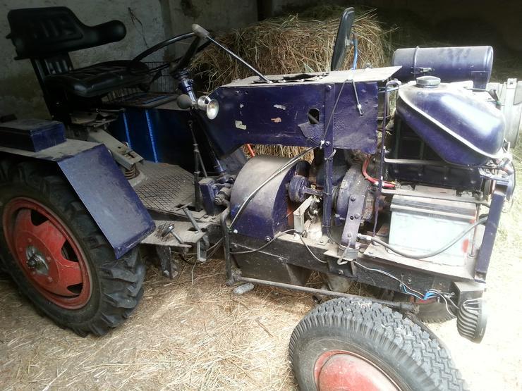 Verkaufe Eigenbau Traktor mit Trabant Motor und Hänger