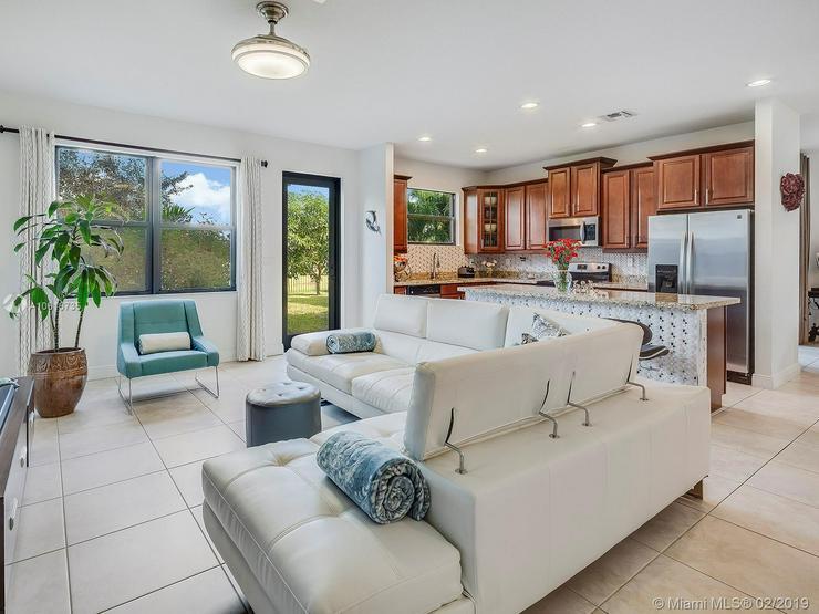 Bild 6: Ein-Familienhauser in Norden Miami