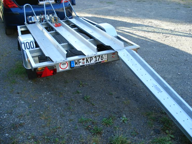 Bild 2: Motorradtransportanhänger zu verleihen.
