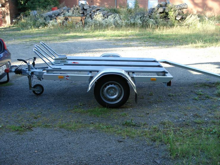 Bild 3: Motorradtransportanhänger zu verleihen.