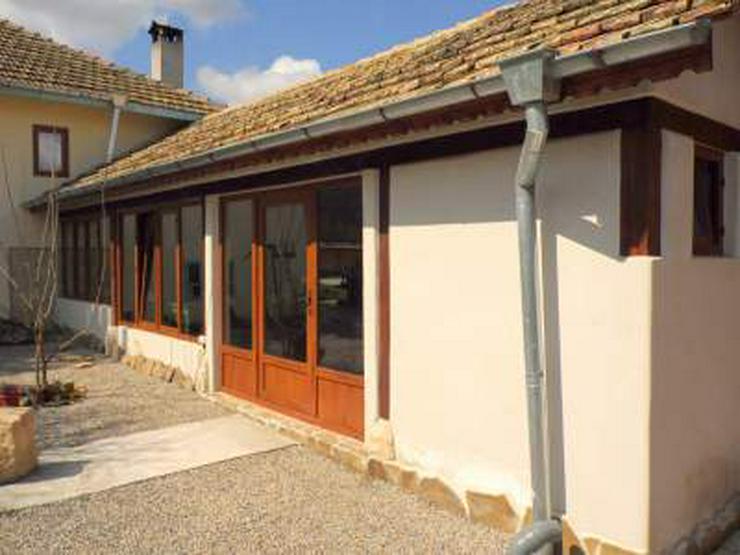 Komplett renoviertes Bauernhaus mit Weide in Sadina Bulgarien