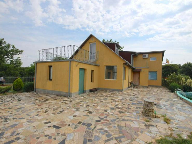 Ein Neubau mit 3 Schlafzimmern in der Nähe des Meeres (Bulgarien)