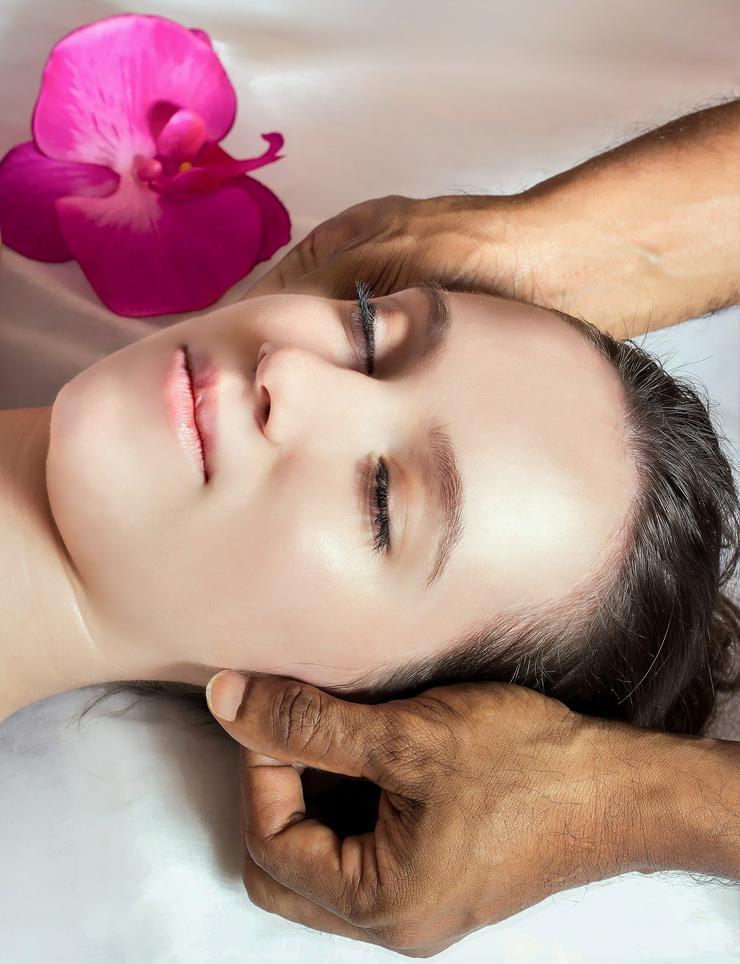 Seriöse Aromaöl - Massage 60 min. für 35,-- € (auch mobil), Wellness-Massagen