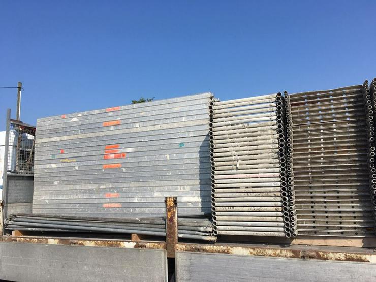 ca. 1.050m² Layher Blitzgerüst Fassadengerüst Malergerüst Gerüst Alu Stahl und noch mehr