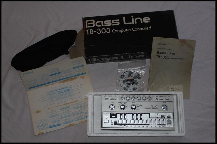 Bild 4:  NEU!! Vintage Roland TB303  Bass Synthesizer - mit Zubehör!!!
