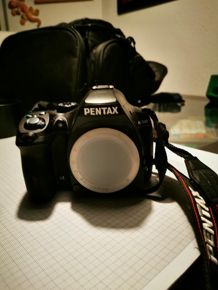 Biete Kamera Pentax K50 + Zubehör