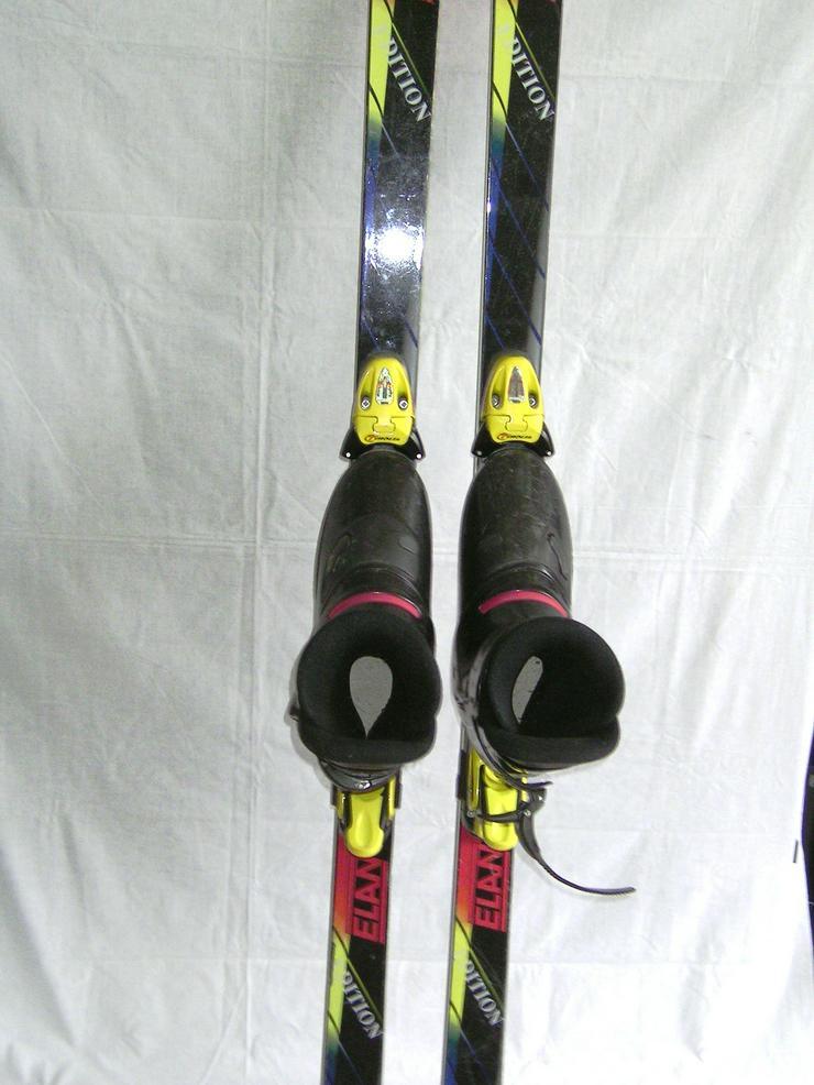 Ski - Schuhe und Abfahrtsski