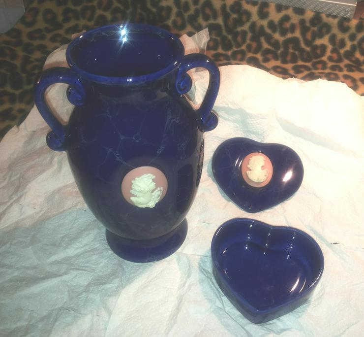 Bild 2: Vase und herzförmige Schmuckschatulle aus Porzellan (FP) noch 1 x Preis runter gesetzt !