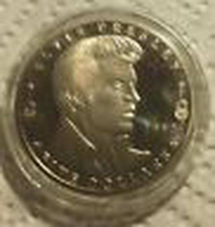 Bild 3: Elvis Presley original Fünf Dollar Münze aus USA von 1993 (FP)