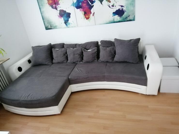 Großes Sofa mit LED Beleuchtung  - Sofas & Sitzmöbel - Bild 1