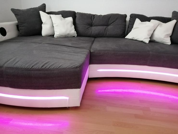 Bild 3: Großes Sofa mit LED Beleuchtung