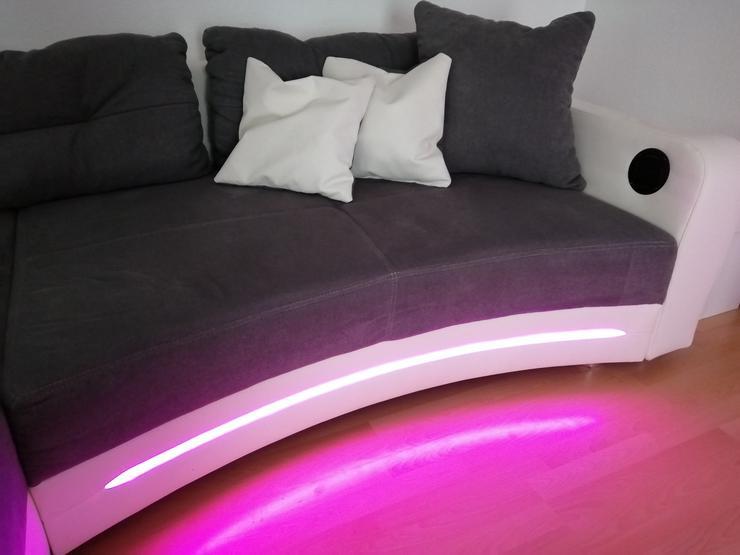 Bild 2: Großes Sofa mit LED Beleuchtung