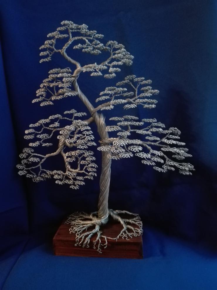 Großer Bonsai-Baum aus Metall