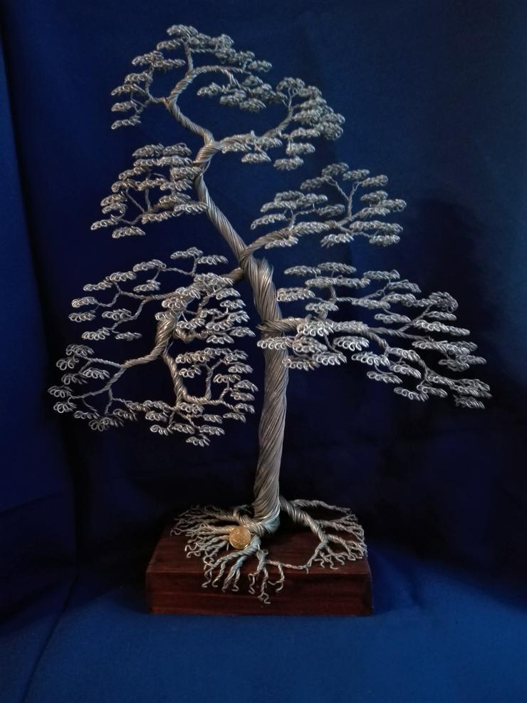 Bild 4: Großer Bonsai-Baum aus Metall