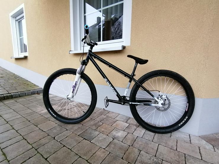 Bild 3: YT Industries First Love Dirt Jump Bike