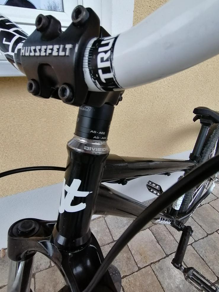 Bild 6: YT Industries First Love Dirt Jump Bike