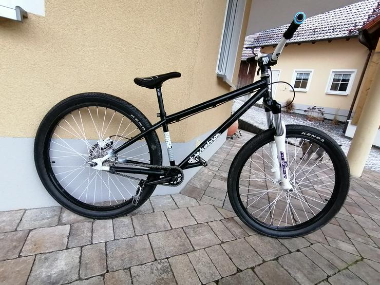 Bild 5: YT Industries First Love Dirt Jump Bike