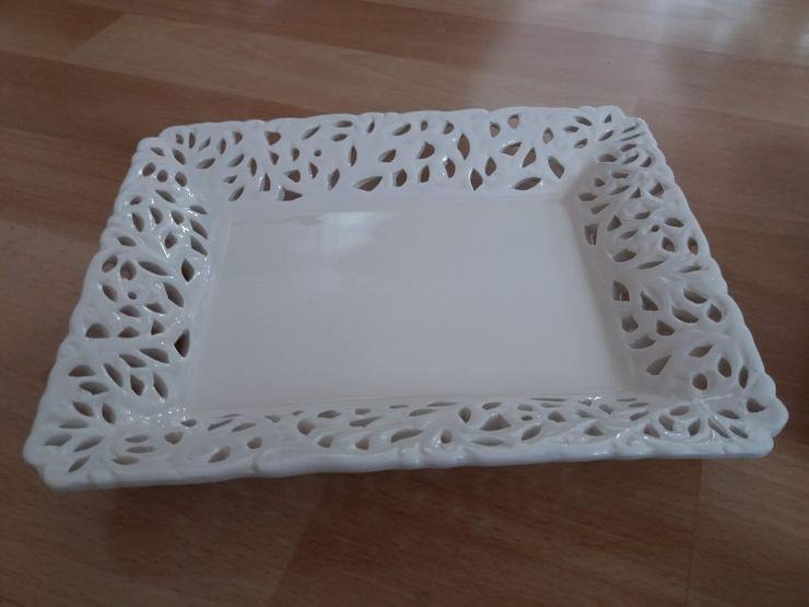 2 kleine Platten mit 3 dazugehörigen Teelichthalter