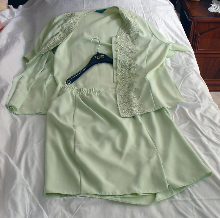 Bild 4: Damen-Kostüm Gr. 50, blassgrün, Oberteil mit Rock