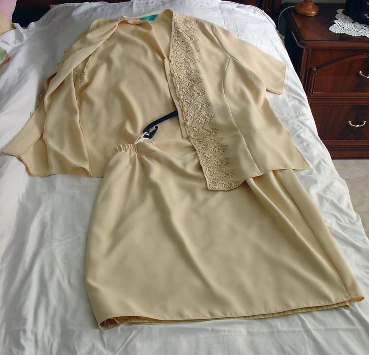 Bild 4: Damen-Kostüm Gr. 50, pfirsich, Oberteil mit Rock
