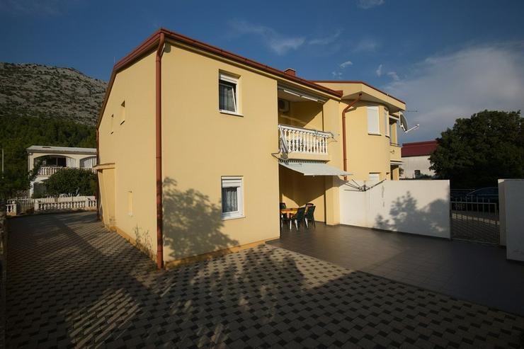 2 Wohnungen in Starigrad-Paklenica Kroatien am Meer Anlage Haus
