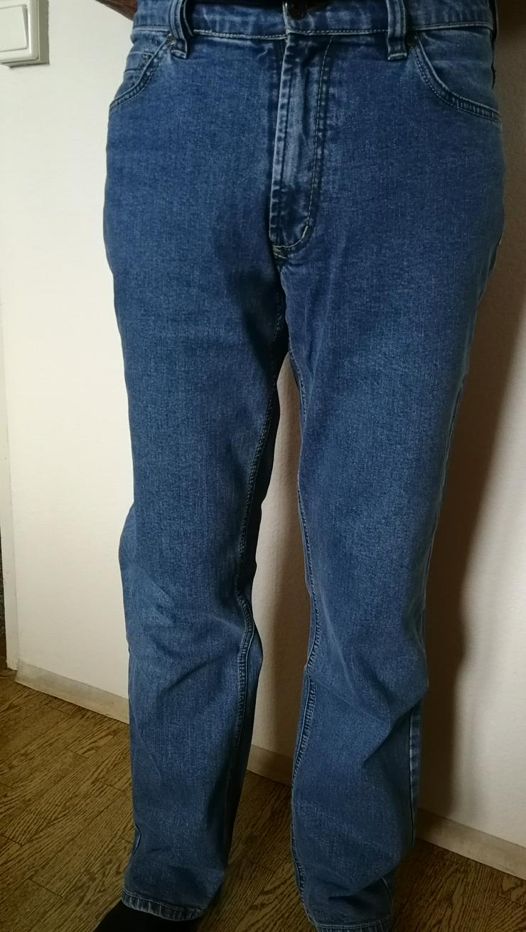 Jeanshose neu und Basecup dunkelblau