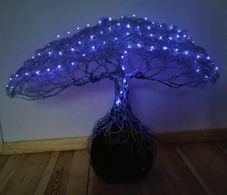 Bild 4: Mächtiger Baum des Lebens aus Metall