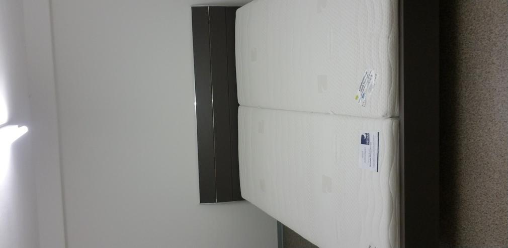 Doppelbett mit lattenrost und matraze unbenutzt