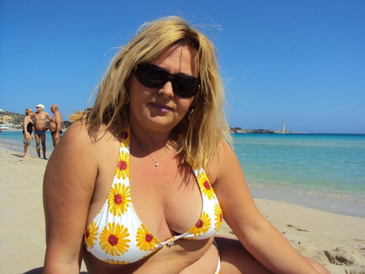 43jährige Blondine sucht humorvollen Partner