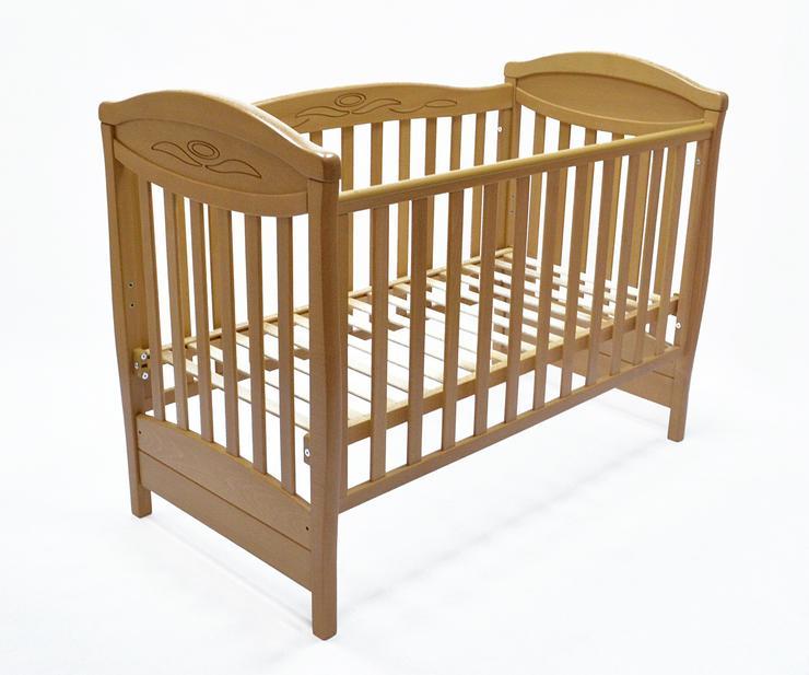 Kinderbett aus massivem Buchenholz. Neu.