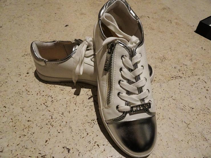 Sneakers von Lipsy London