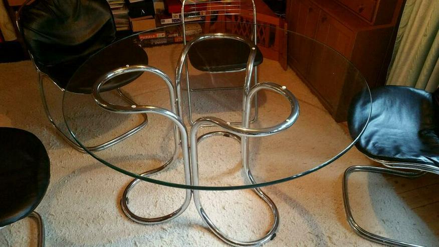 Glastisch, 120 cm aus Mitte der 70er.