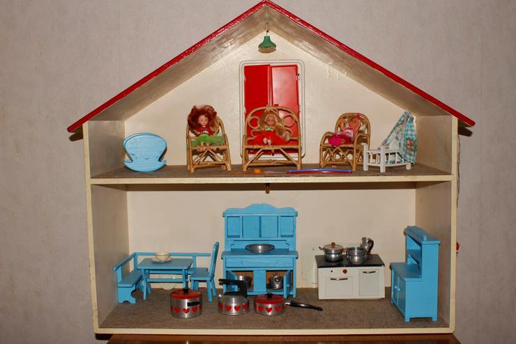 Puppenhaus 1970 Möbel teils 1950.
