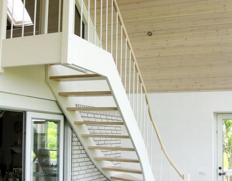 """Bild 2: NEU Holztreppen ''Cedric"""" nach Maß mit montage vom Treppen Hersteller"""