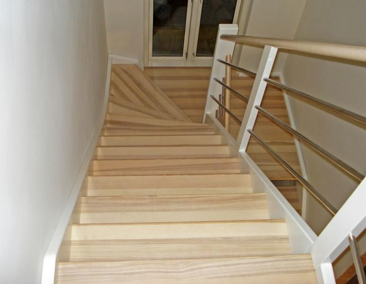 """Bild 3: NEU Holztreppen ''Cedric"""" nach Maß mit montage vom Treppen Hersteller"""
