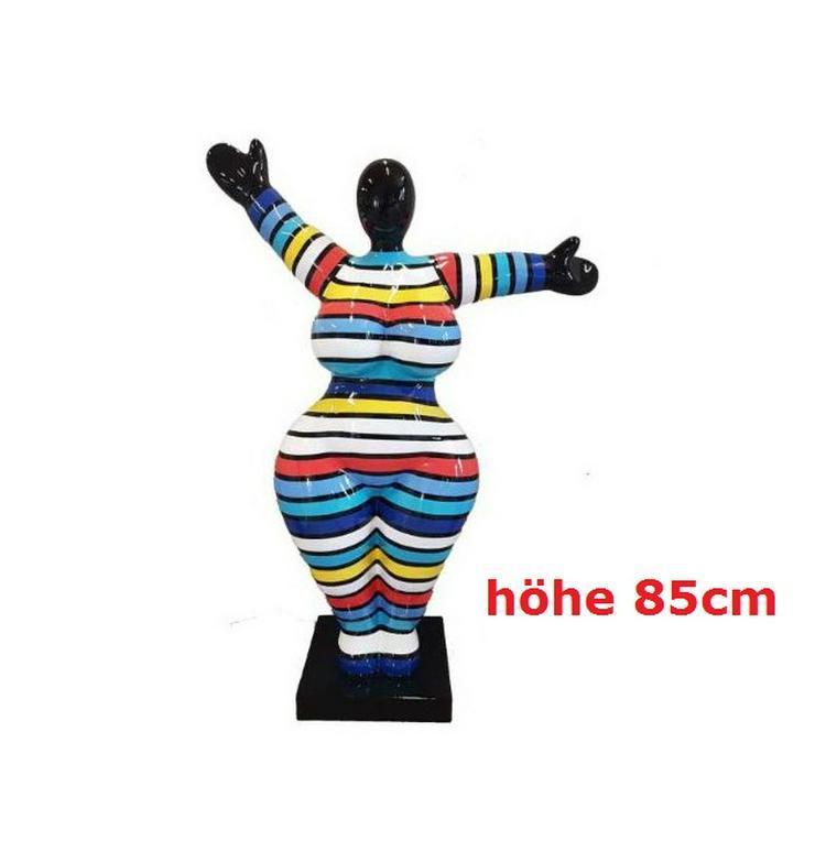 Moderne gestreifte Nana-Art Figuren H: 85cm NEU - PREMIUM - Figuren & Objekte - Bild 1