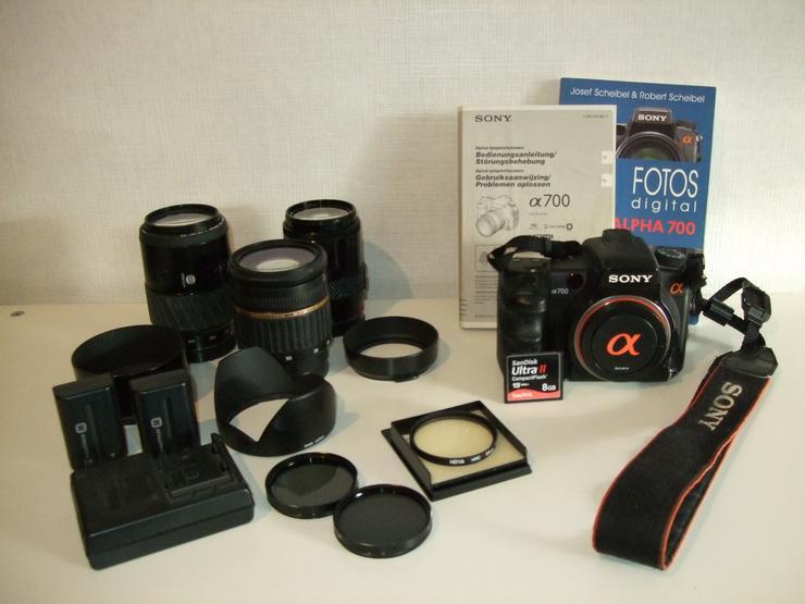 digitale DSLR Sony Alpha 700 mit Objektiven und Zubehör