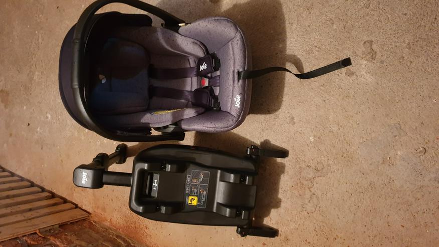 verkaufe einen Babyautositz mit Isofix Station