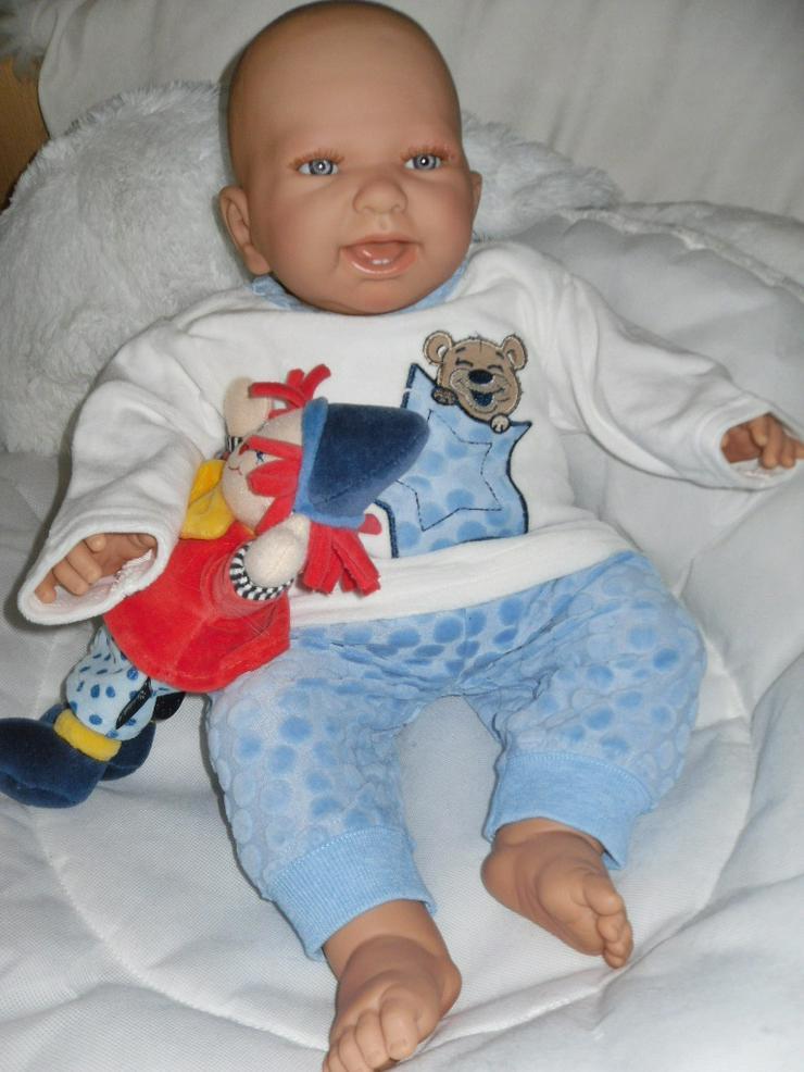 Bild 4:  Babypuppen Noah 54 cm mit Schnuller und Schnullerkette Doro Baby