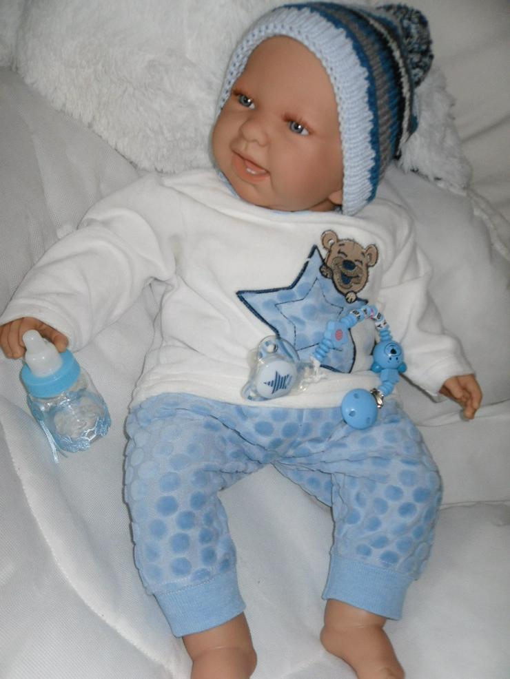 Babypuppen Noah 54 cm mit Schnuller und Schnullerkette Doro Baby  - Puppen - Bild 1